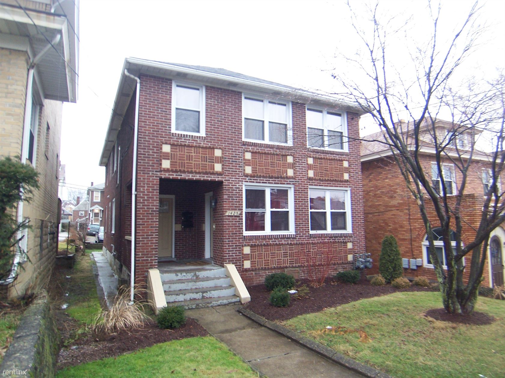 1425 Tolma Ave, Pittsburgh, PA - $1,275 USD/ month