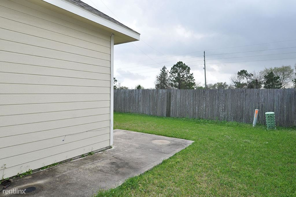 15906 Hidden Crest Dr, Houston, TX - $1,580