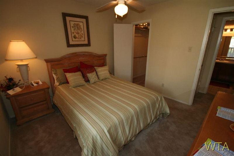 8524 Burnet Road, Austin, TX - 750 USD/ month