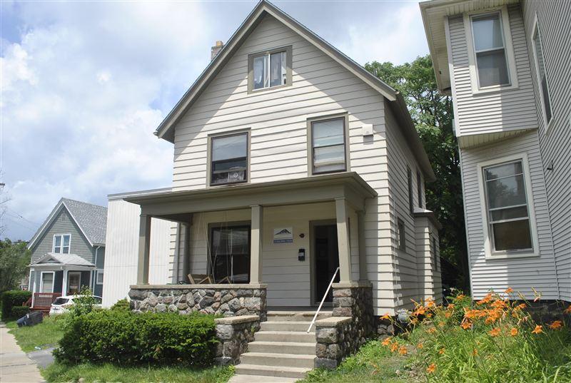 309 Packard St, Ann Arbor, MI - $5,925