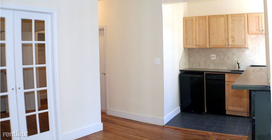 153 W 10th St #8 - 2785USD / month
