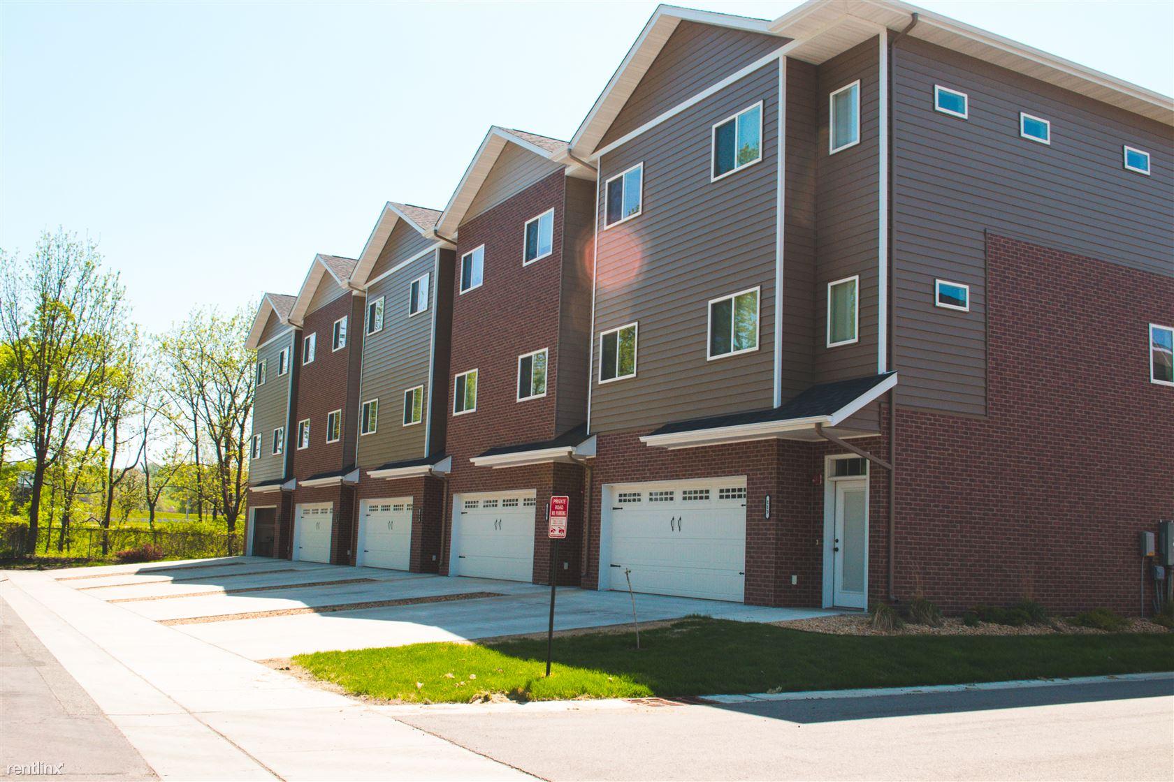105 Wheeler Ave, North Mankato, MN - $1,950