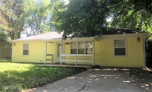 3348 SW Kirklawn Ave, Topeka, KS - $875