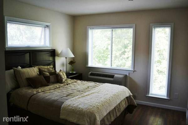Mamaroneck Ave, White Plains, NY - $2,950