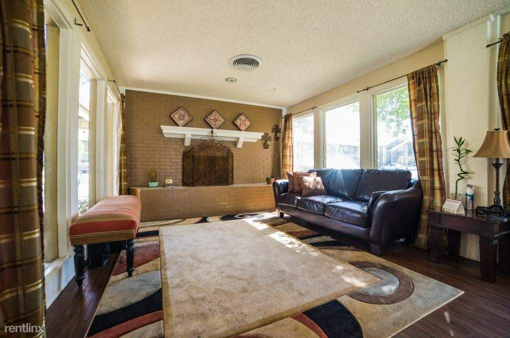 8926 North Lamar Boulevard, Austin, TX - 809 USD/ month