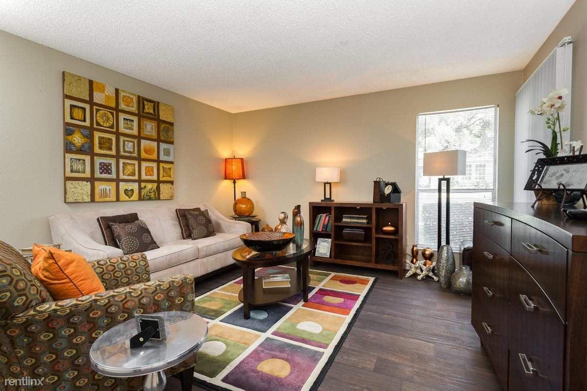 3517 North Hills Drive, Austin, TX - 800 USD/ month