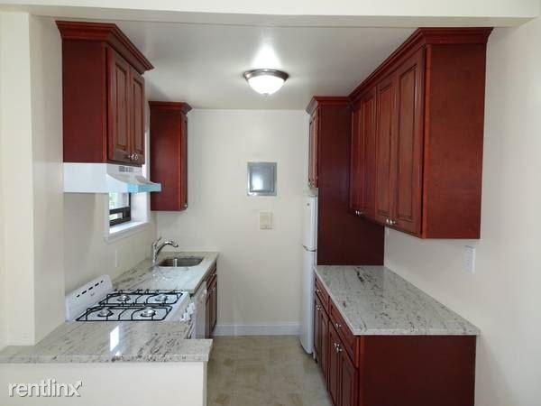 Larchmont Ave, Larchmont, NY - $1,700