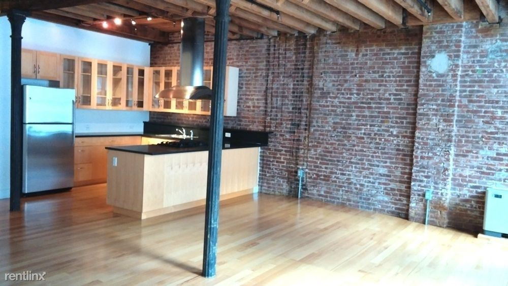 220 Front St #4B, New York, NY - $4,250 USD/ month