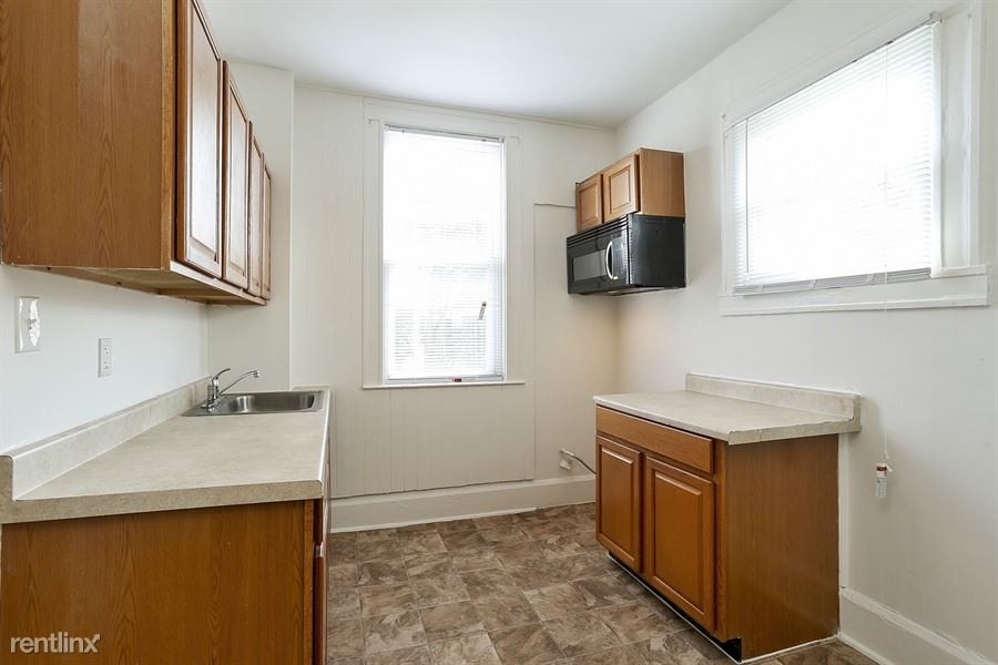 2826 Windsor Ave - 775USD / month