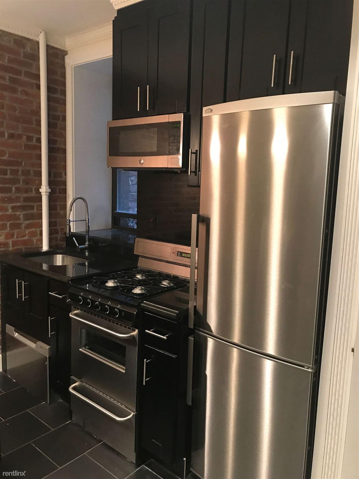 434 W 52nd St, New York, NY - $4,394