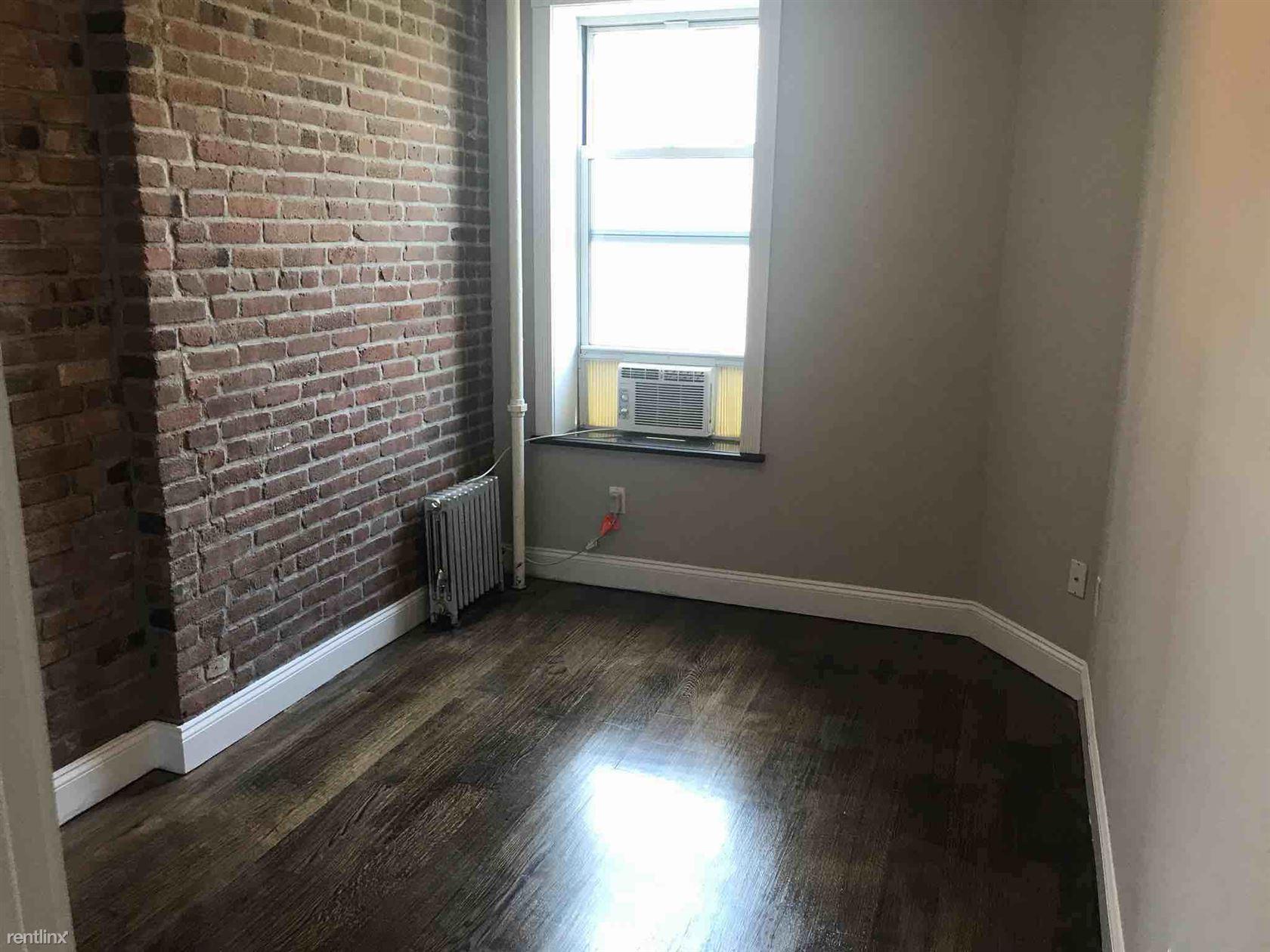 437 W 53rd St, New York, NY - $4,395