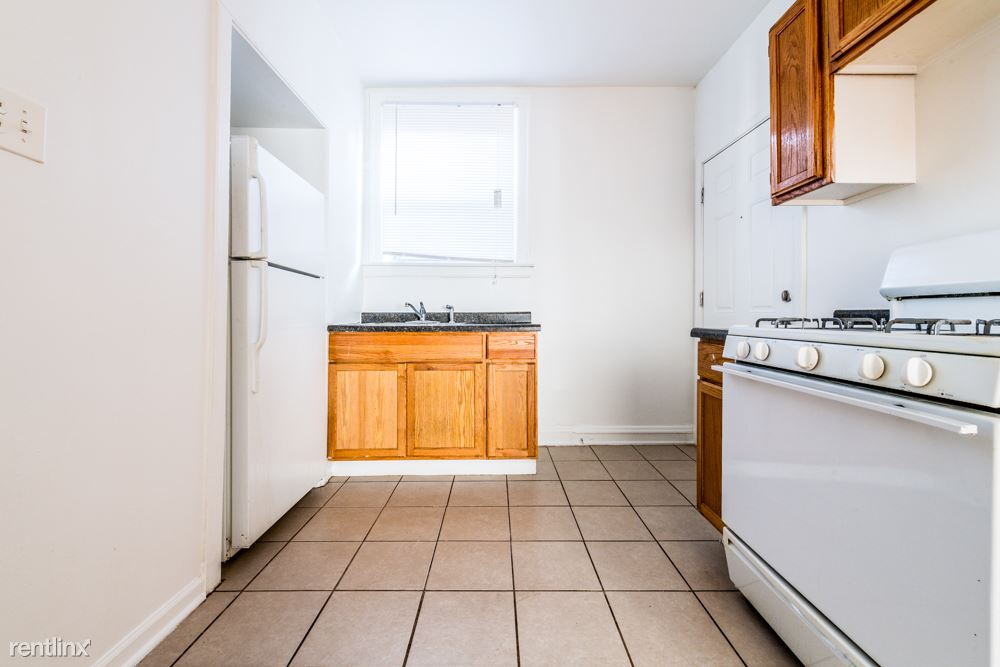 7700 S Kingston Ave, Chicago, IL - $850 USD/ month