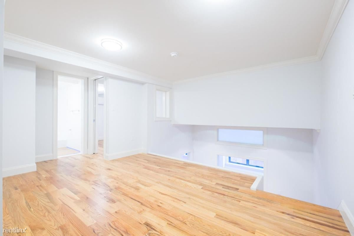 210 E 22nd St #1M - 6875USD / month