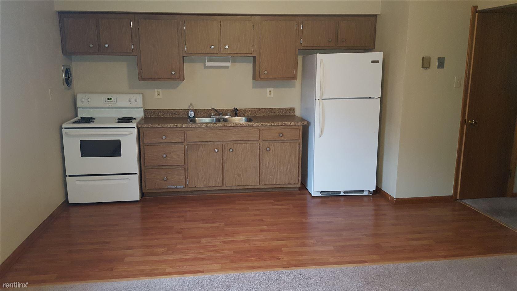 214 Greenside Ave Apt 2, Canonsburg, PA - $985