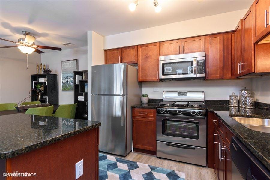 2734 N Buffalo Grove Rd, Arlington Heights, IL - $2,015