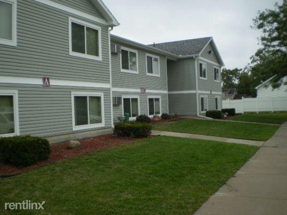 425 North Union Street, Ithaca, MI - $575