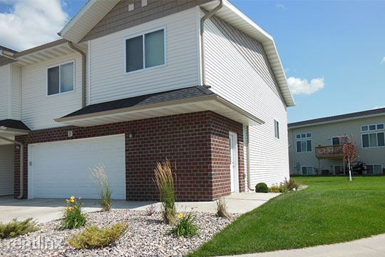 227 31st Ave E, West Fargo, ND - $1,425