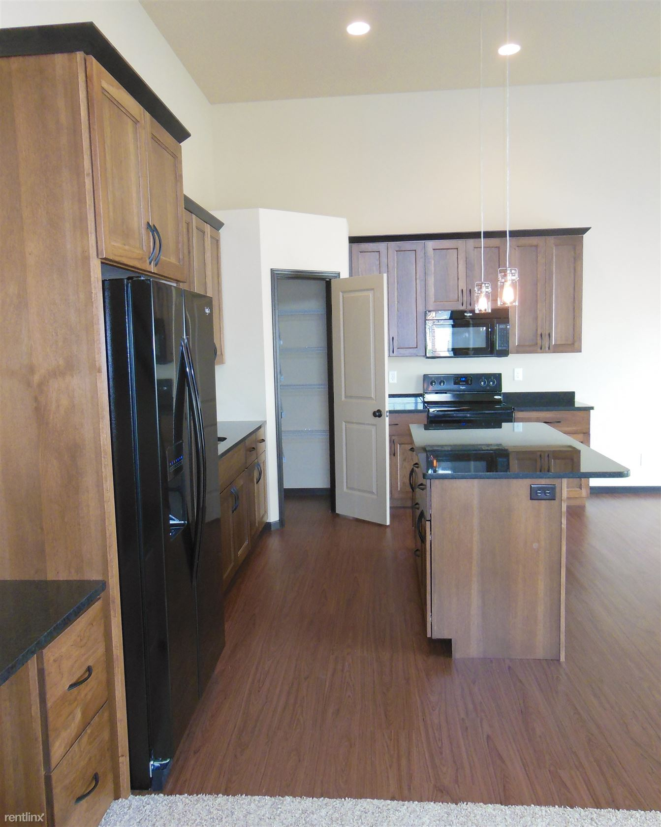 4924 39th Ave S, Fargo, ND - $1,450
