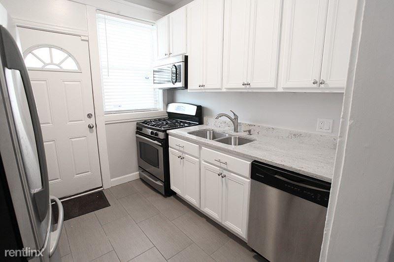 4720 North Racine Avenue #32-3E - 1695USD / month