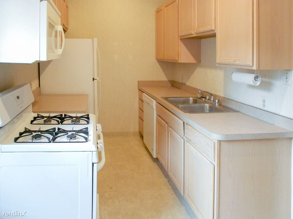3415 North Elaine Place #2 - 1900USD / month