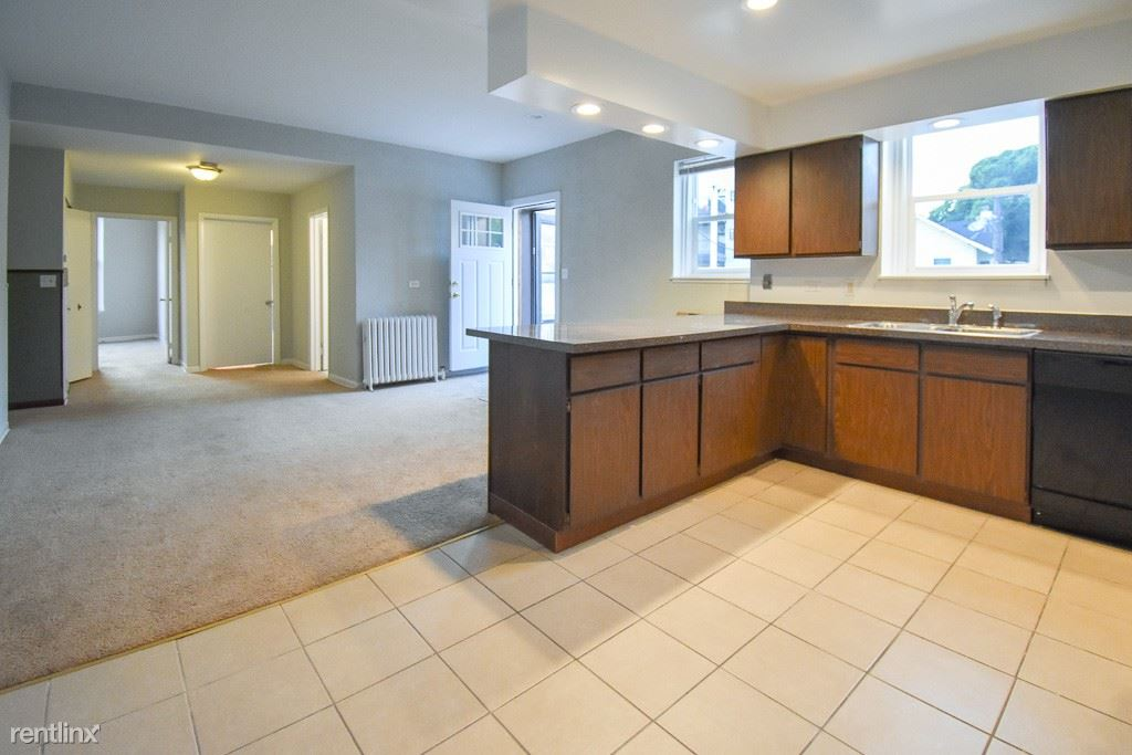 3407 North Broadway Street - 1725USD / month
