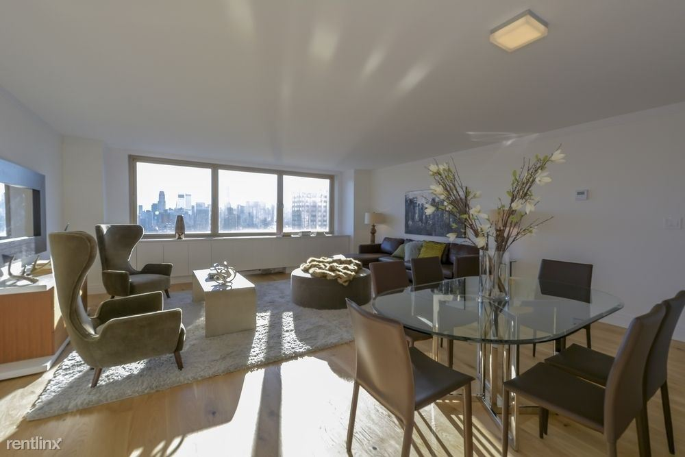 201 East 86th St #15F, New York, NY - $10,313 USD/ month