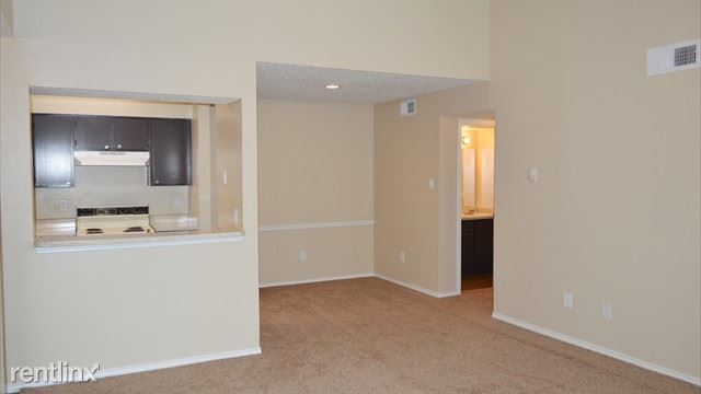 7272 Marvin D Love Freeway, Dallas, TX - $695 USD/ month