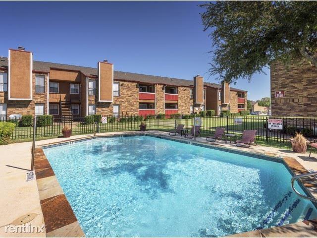 800 Link Drive, Duncanville, TX - $1,120