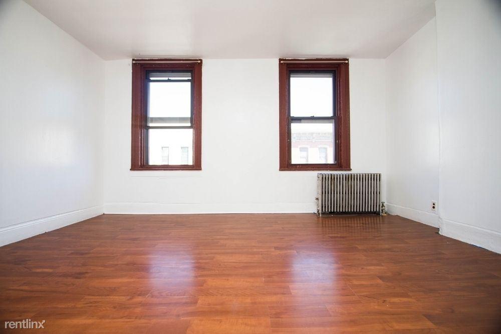 200 Meserole Street #3B, Brooklyn, NY - $2,450