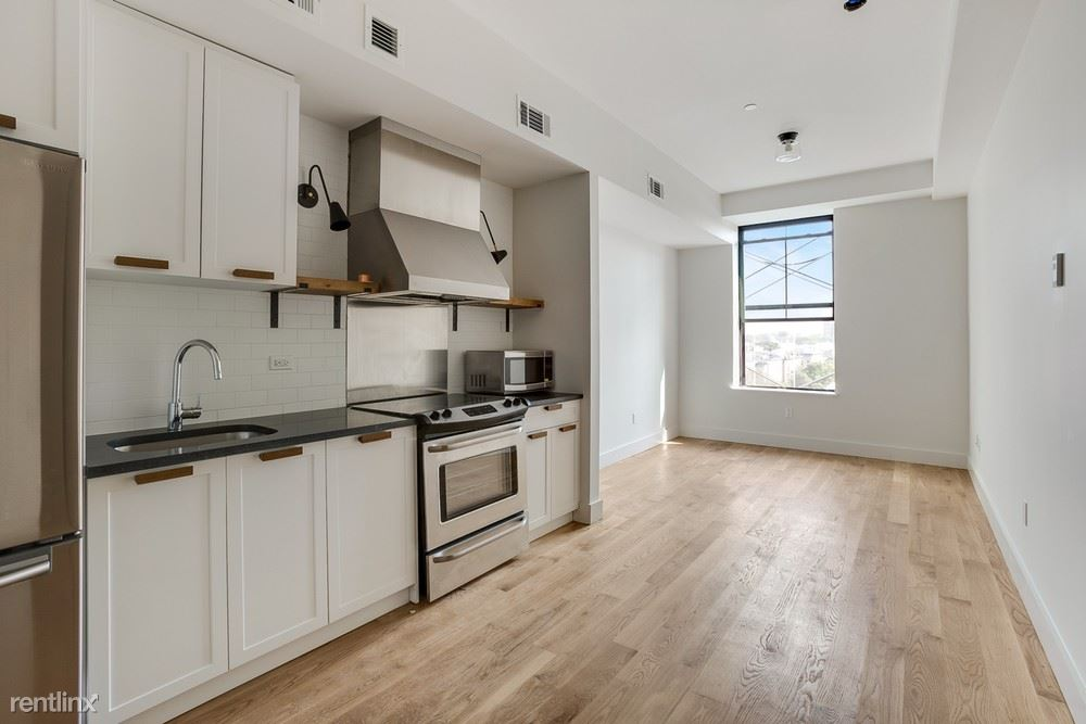 55-27 Myrtle Ave #405, Queens, NY - $2,550