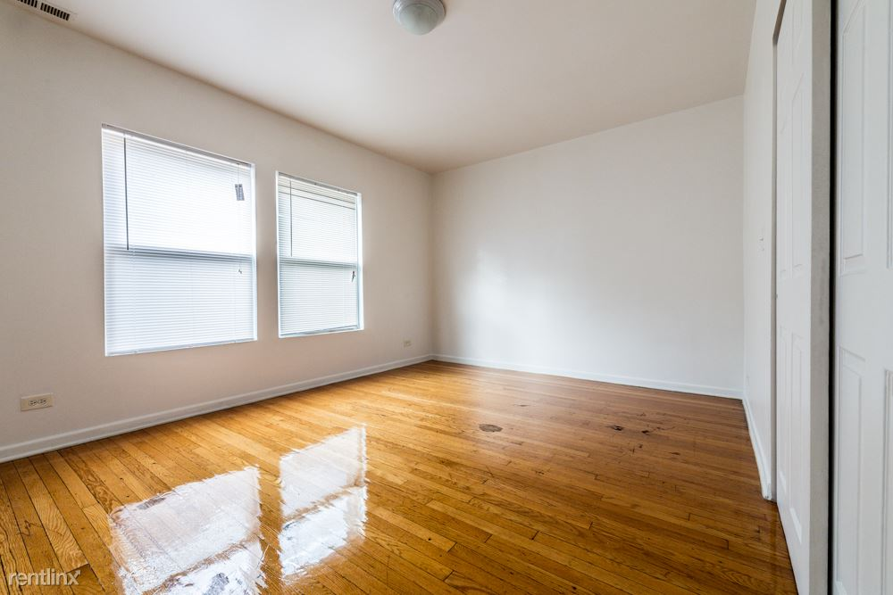 8155 S Maryland Ave, Chicago, IL - $740 USD/ month