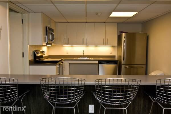 Canfield Ave, White Plains, NY - $2,955