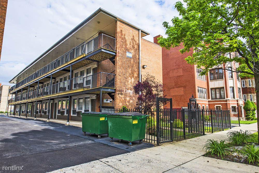 6832 S Crandon Ave, Chicago, IL - $805 USD/ month