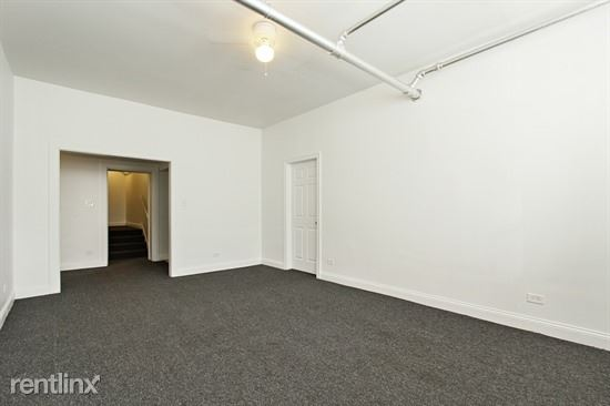 7028 S Clyde Ave, Chicago, IL - $940 USD/ month