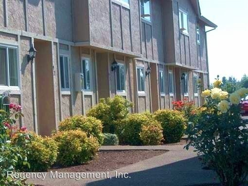 1355 NW 2nd Street Office, Mcminnville, OR - $1,300 USD/ month