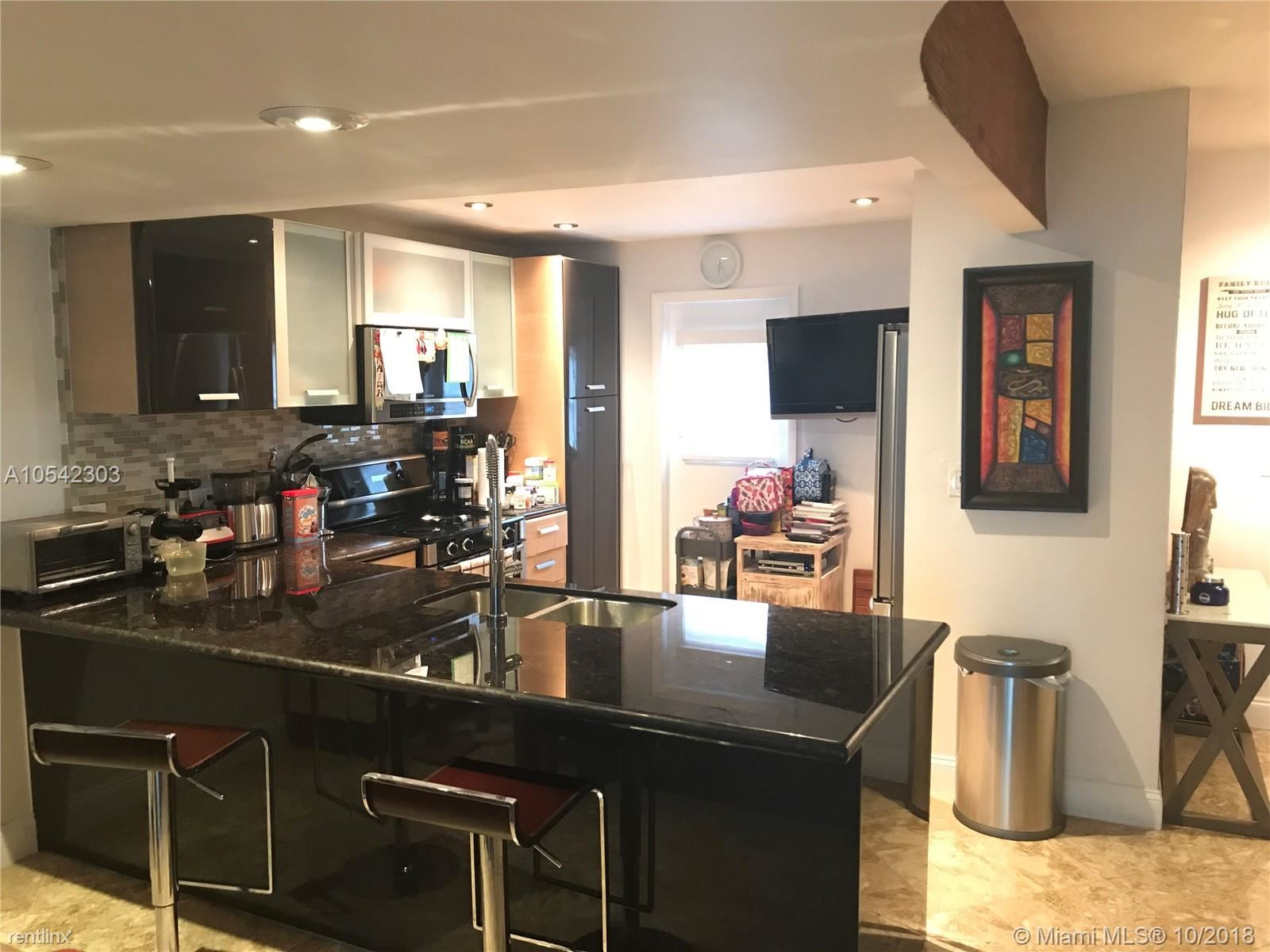 3745 NE 171st St Apt 32, North Miami Beach, FL - $2,100 USD/ month