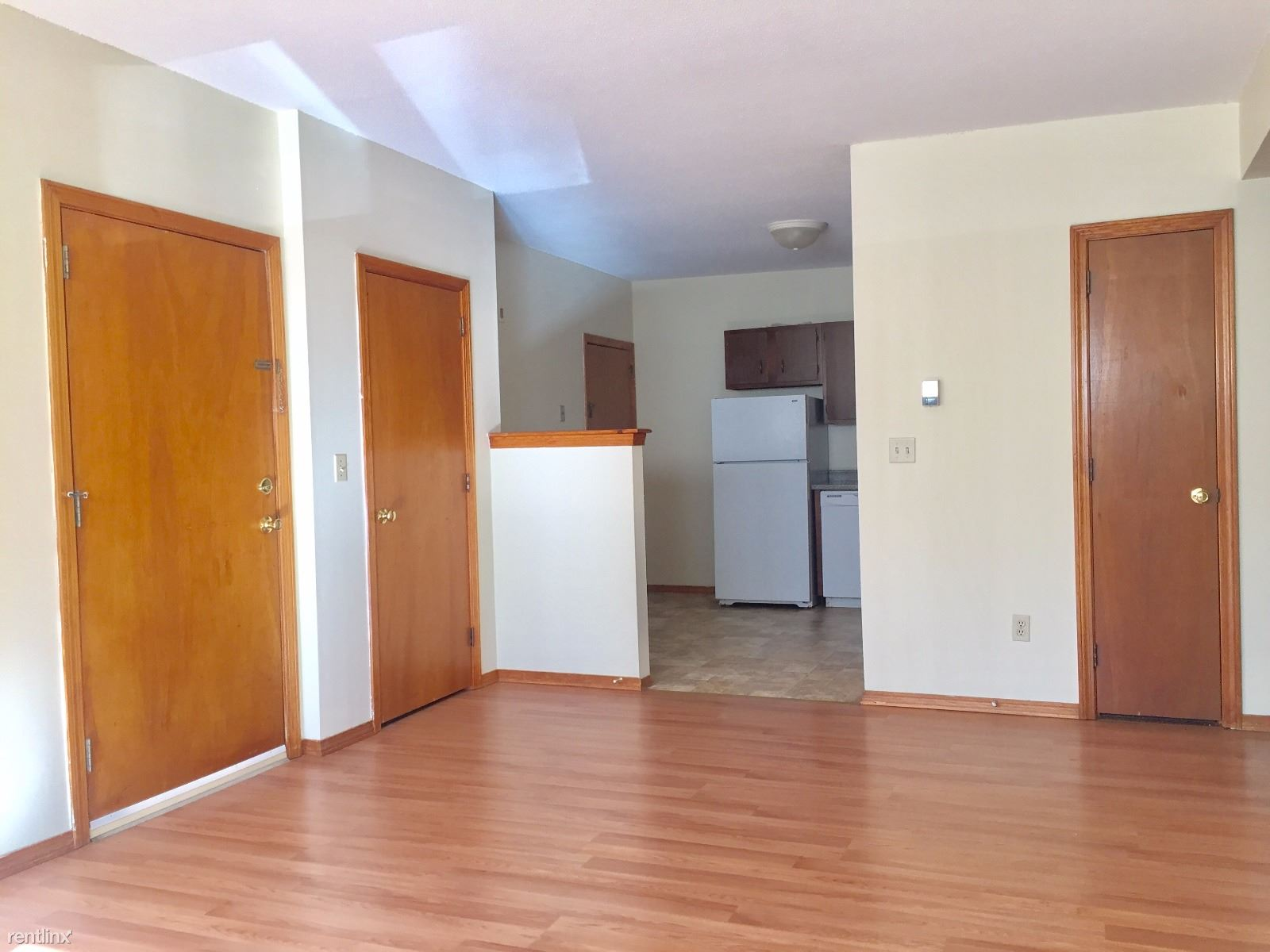 55 Manchester St, Leominster, MA - $1,195