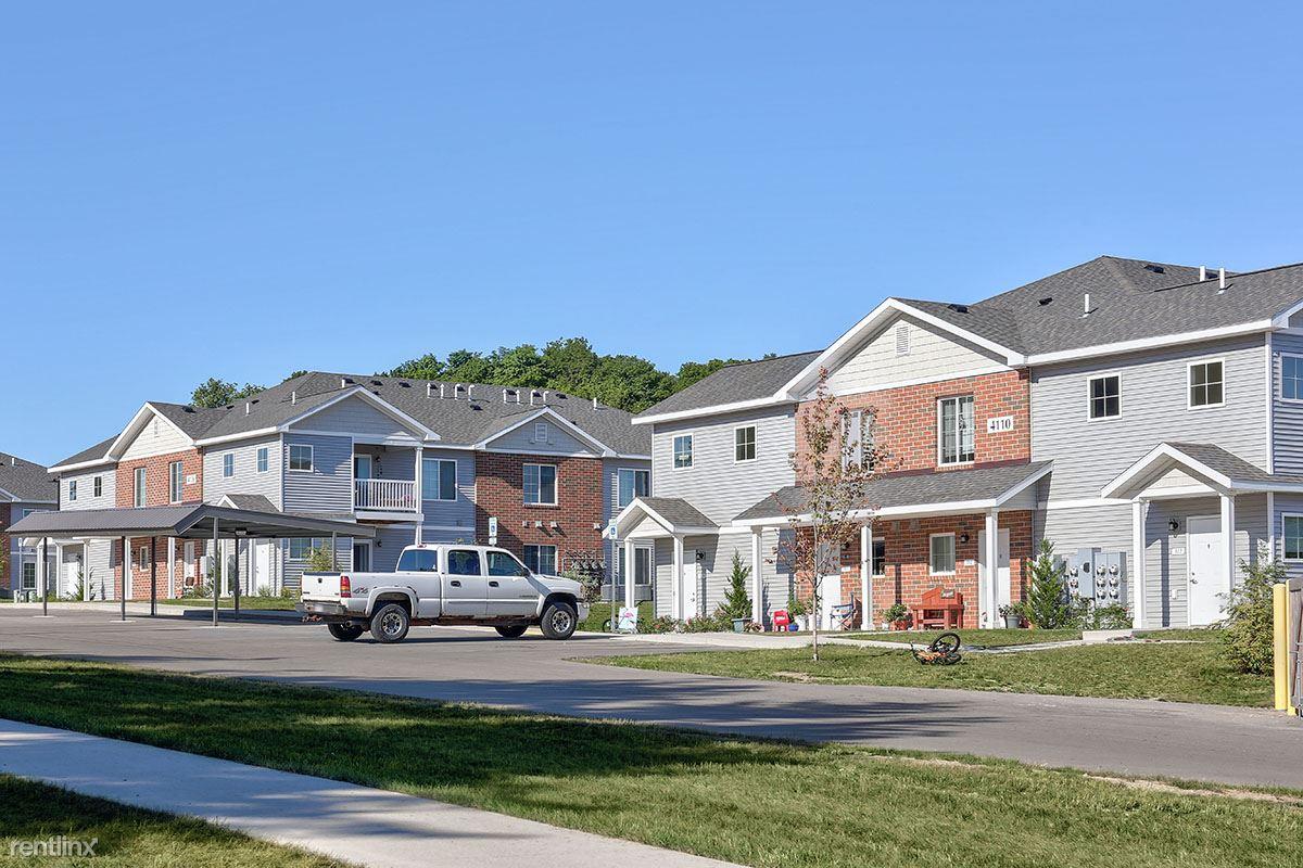 4155 Sprucewood Dr, Traverse City, MI - $479 USD/ month