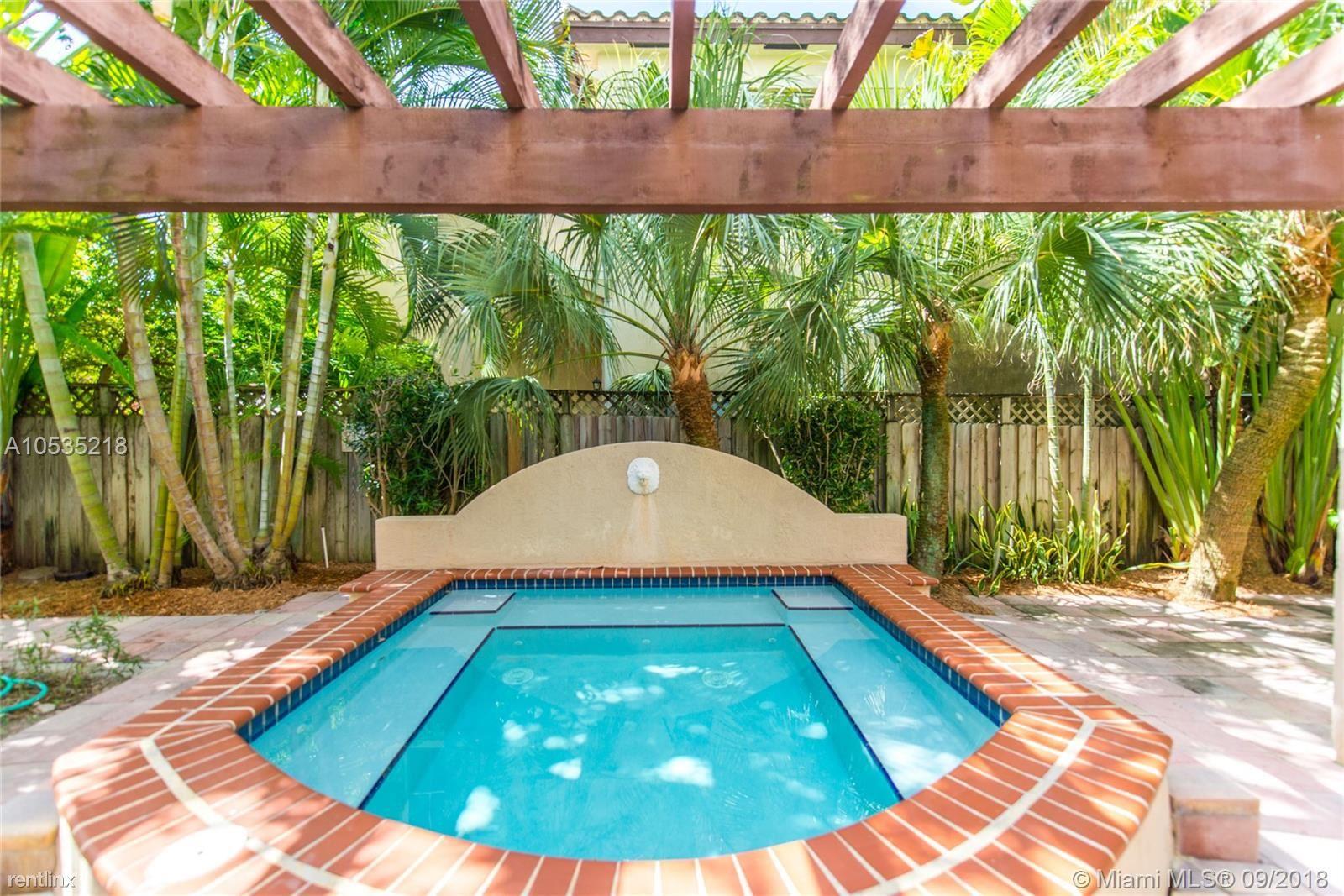 2902 Center St, Coconut Grove, FL - $2,800