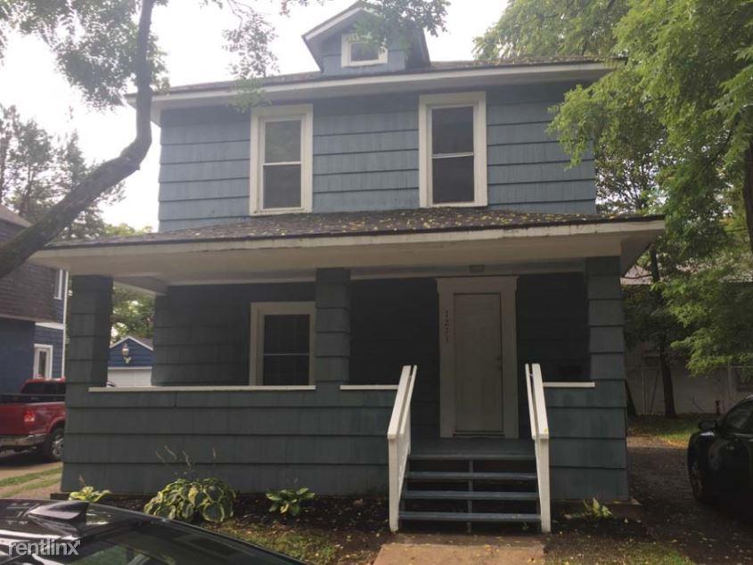 1211 West Lovell Street, Kalamazoo, MI - $1,800