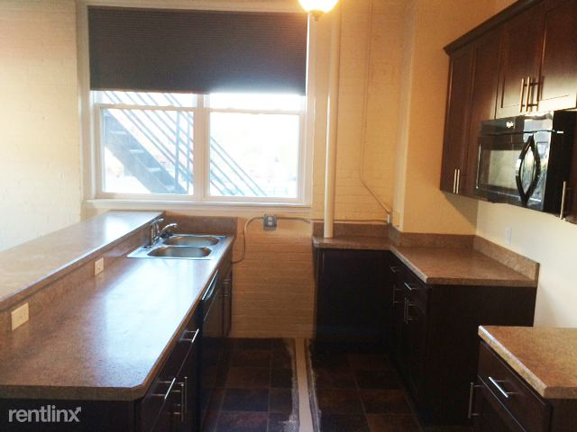 159 W Pearl St, Jackson, MI - $800