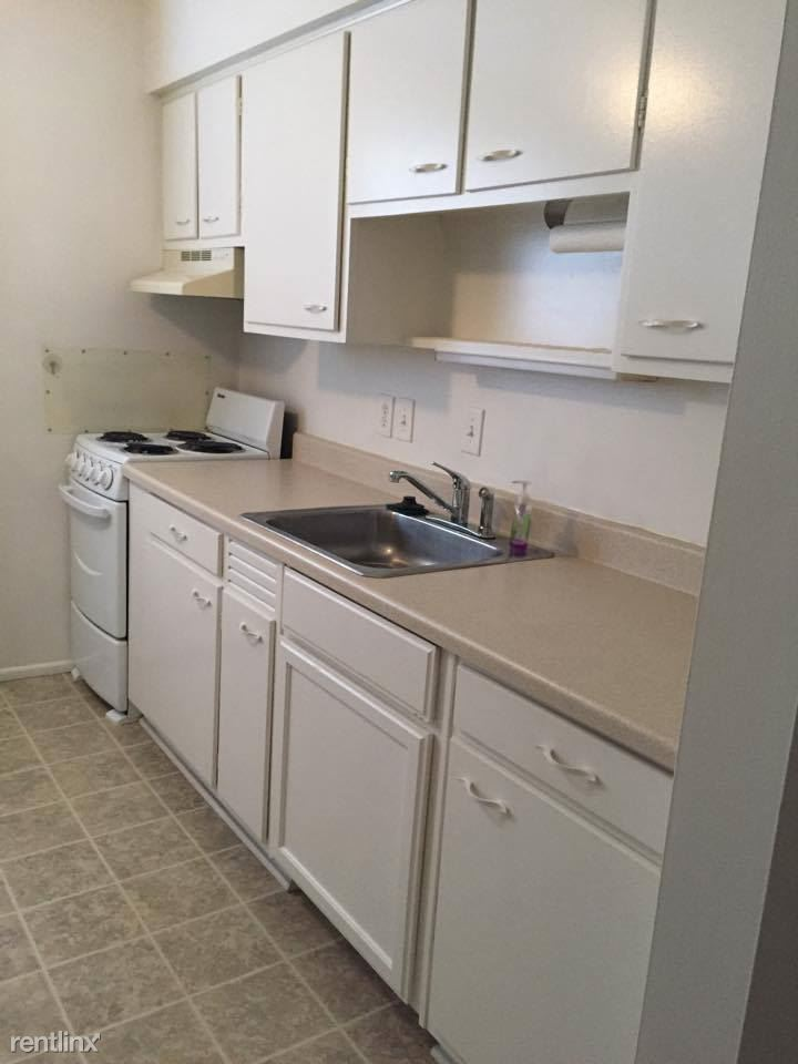 312 N Oak St, Durand, MI - 560 USD/ month