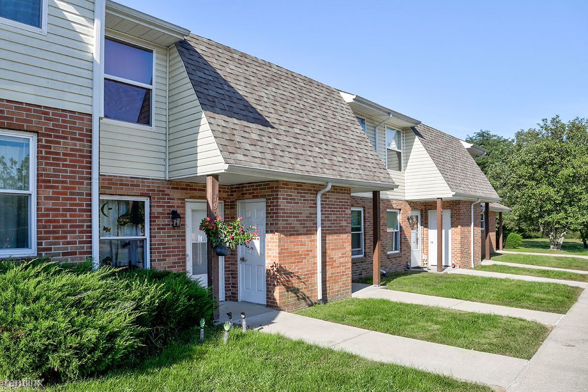 746 S Broadway St, Blanchester, OH - $566
