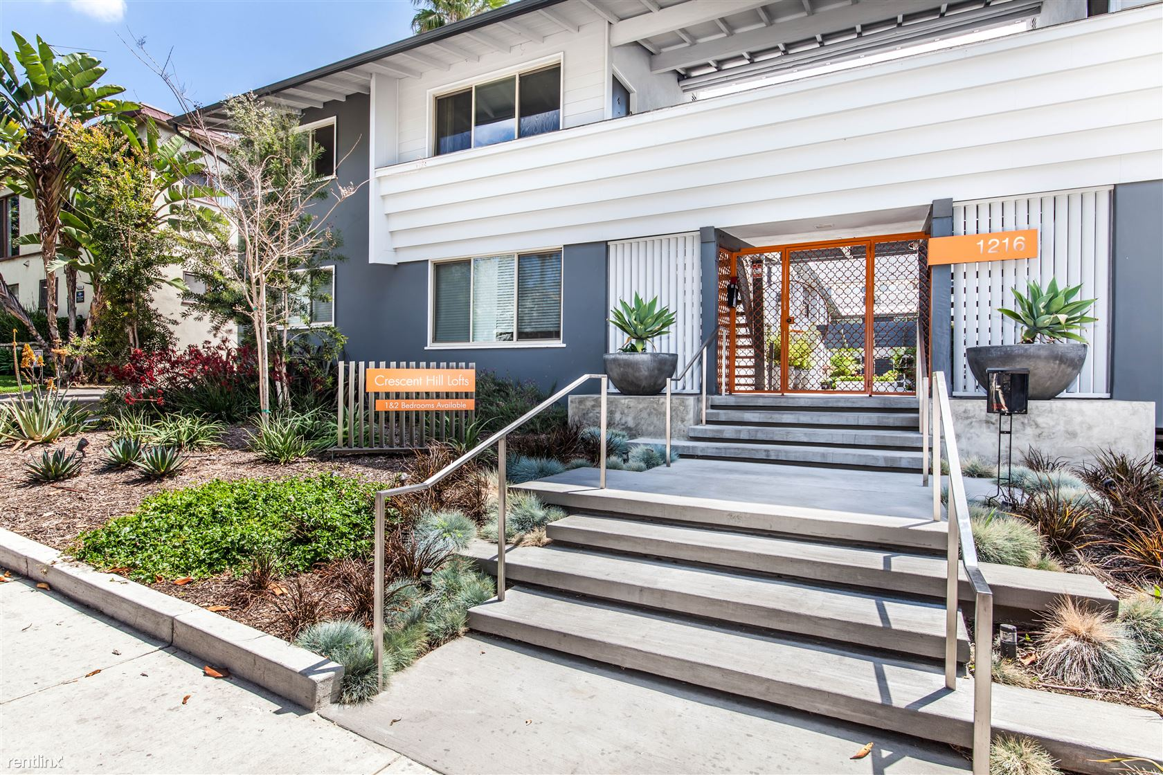 1216 N Crescent Heights Blvd, West Hollywood, CA - $3,100 USD/ month