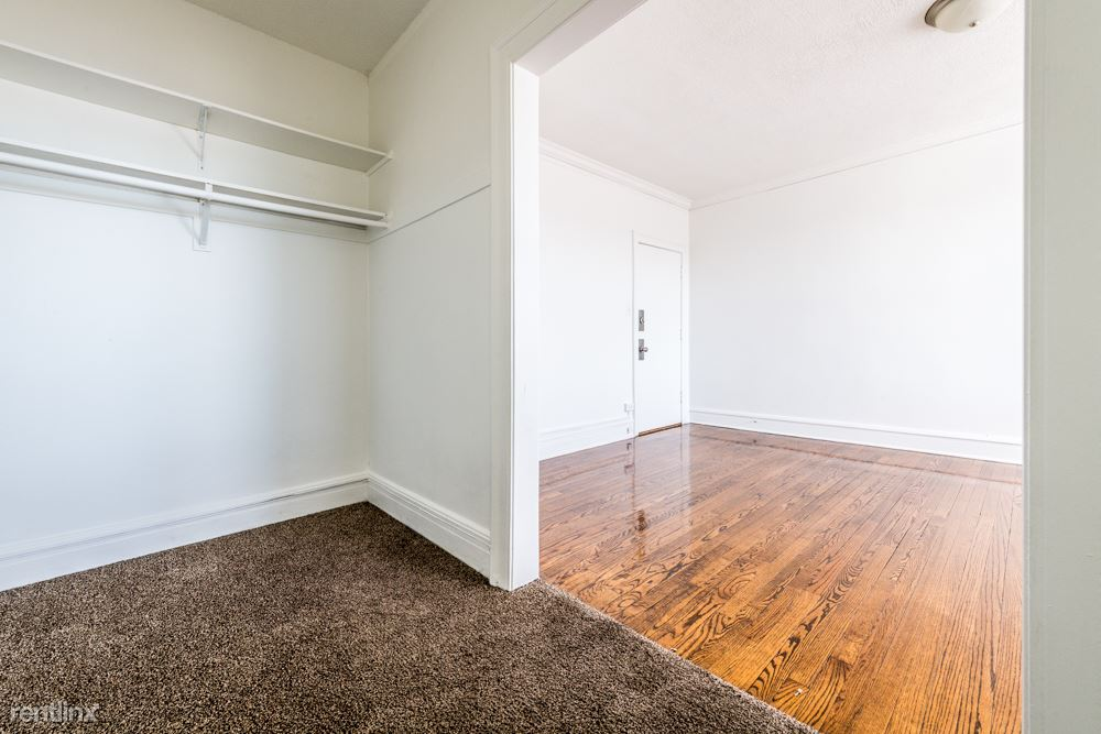 741 E 79th St, Chicago, IL - $580 USD/ month
