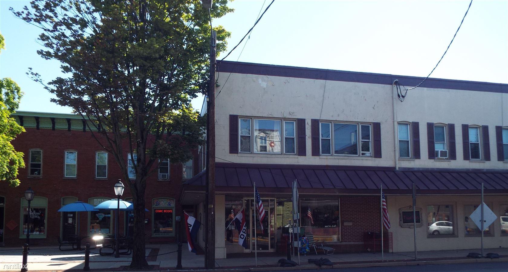 3 S Market St Apt 204, Elizabethtown, PA - $695