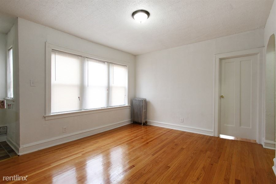 8456 S Wabash Ave - 1235USD / month
