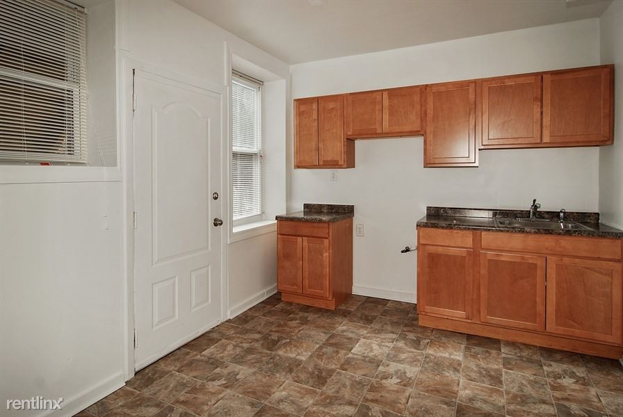 1249 S Fairfield Ave, Chicago, IL - 1,085 USD/ month