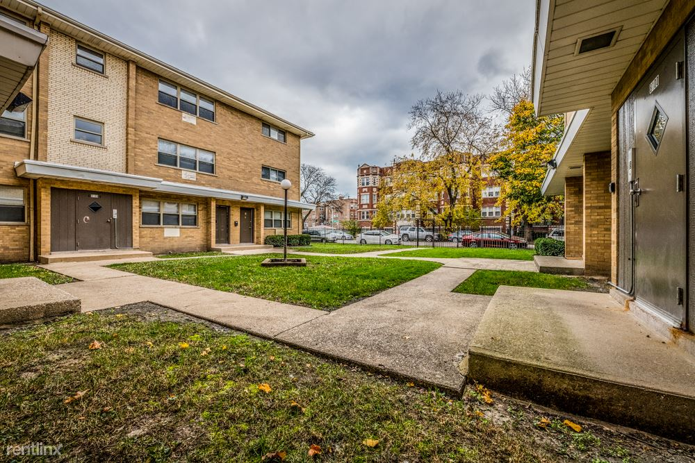 8100 S Drexel Ave - 740USD / month