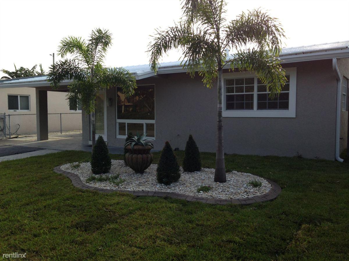 2804 NE 9th Ter, Wilton Manors, FL - $1,700